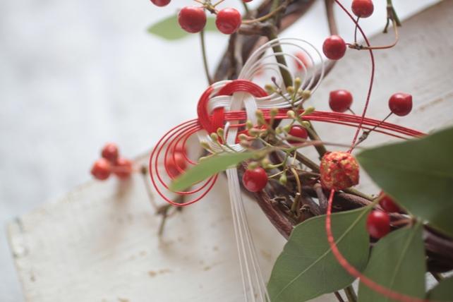 サンキライと蔓のリース・お正月飾り