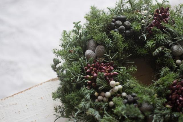 リース・生花・実ものたっぷり針葉樹のクリスマスリース