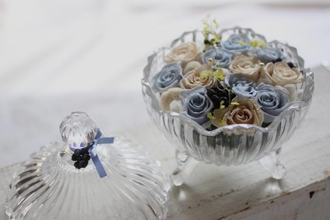 リングピロー・プリザーブドフラワー・ガラスの器・青・白