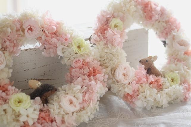 贈呈用アレンジ・プリザーブドフラワー・リース・白・ピンク