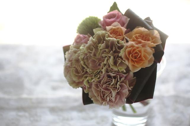 花束・生花・カーネーション・バラ