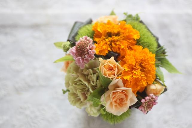 アレンジ・生花・葉っぱの器・オレンジ2