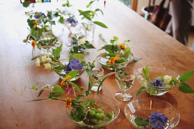 ワークショップ風景・ガラスノウツワで花あそび5