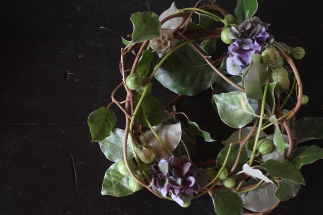 リース・生花・グミの枝と紫陽花のナチュラルリース