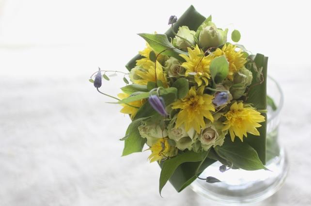 花束(生花)ヒマワリとクレマチスの夏の花束