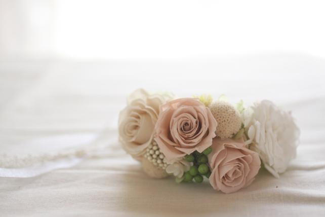 リストレット(プリザーブドフラワー)淡いピンクと白