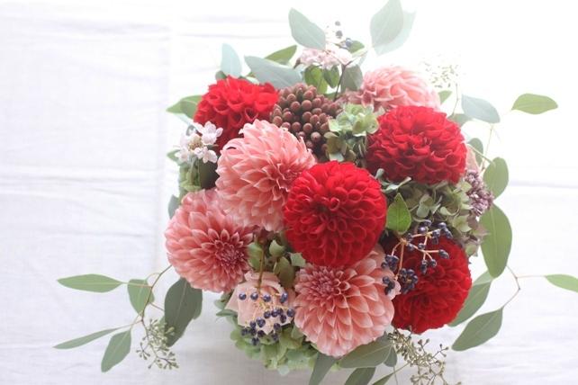 アレンジ(生花)カラフルなダリアの楽屋花2