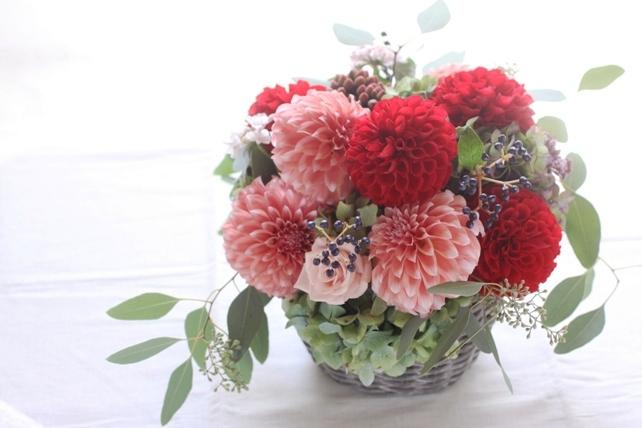 アレンジ(生花)カラフルなダリアの楽屋花