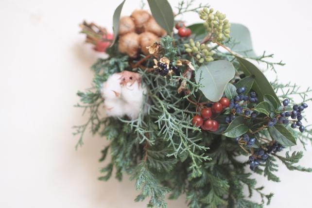 スワッグ(生花)針葉樹と実ものとコットン2