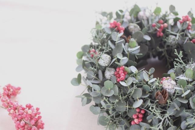 リース(生花)ユーカリとペッパーベリー2