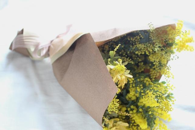 花束(生花)ミモザのみの花束