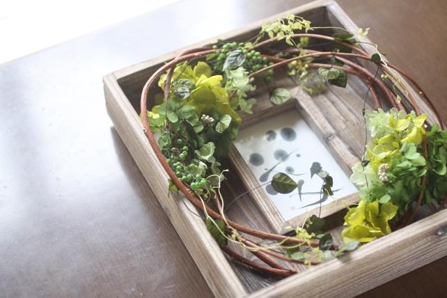 ウェルカムボード(プリザーブドフラワー)古材のフレームに紫陽花とグリーンで森の雰囲気に3