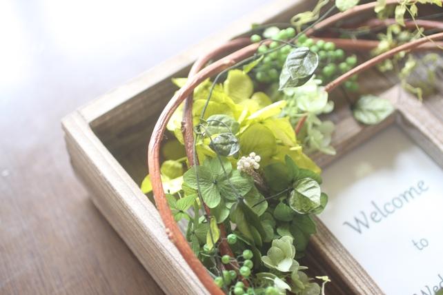 ウェルカムボード(プリザーブドフラワー)古材のフレームに紫陽花とグリーンで森の雰囲気に4