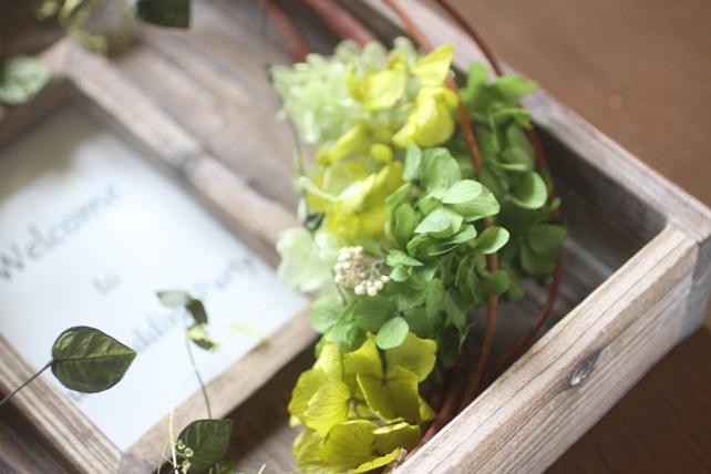 ウェルカムボード(プリザーブドフラワー)古材のフレームに紫陽花とグリーンで森の雰囲気に5