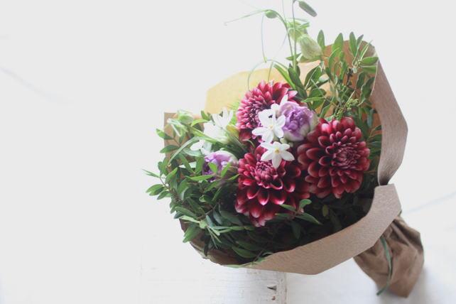 花束(生花)和風の大人っぽい雰囲気で