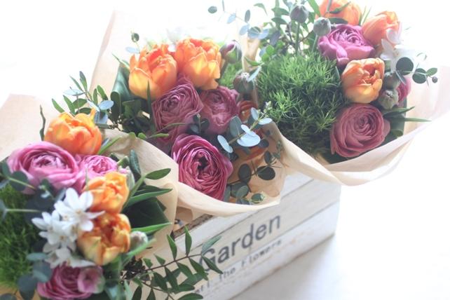花束(生花)小ぶりの春の花束