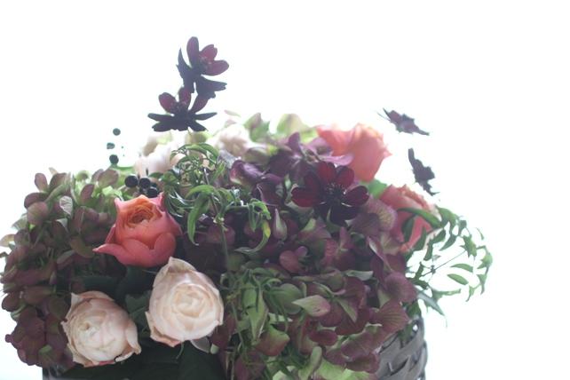 アンティークな雰囲気の紫陽花とバラ2