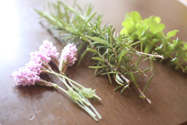 リース(生花)ユーカリとハーブのリース2