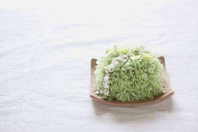 リングピロー(プリザーブドフラワー)紫陽花のリングピロー・黄リボン(木の器)