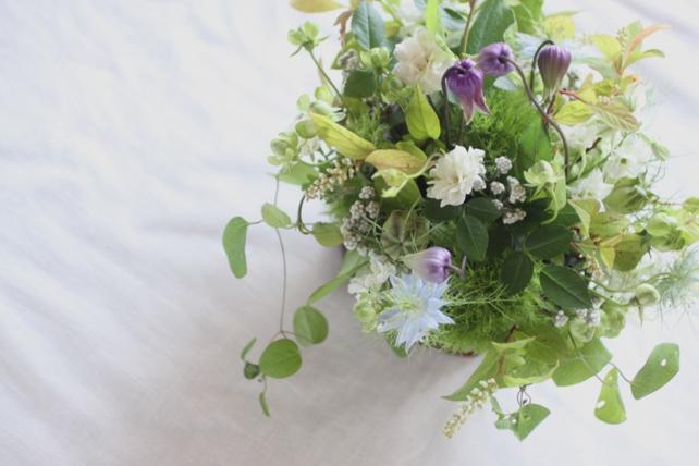 アレンジ(生花)小花のナチュラルなお供え花2