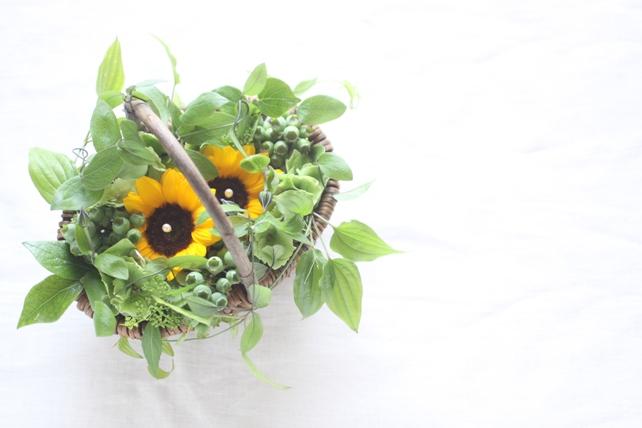 リングピロー(生花)ひまわりとグリーン