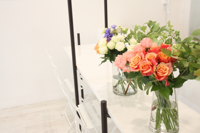 ワークショップ風景・紫陽花とバラのブーケづくり3