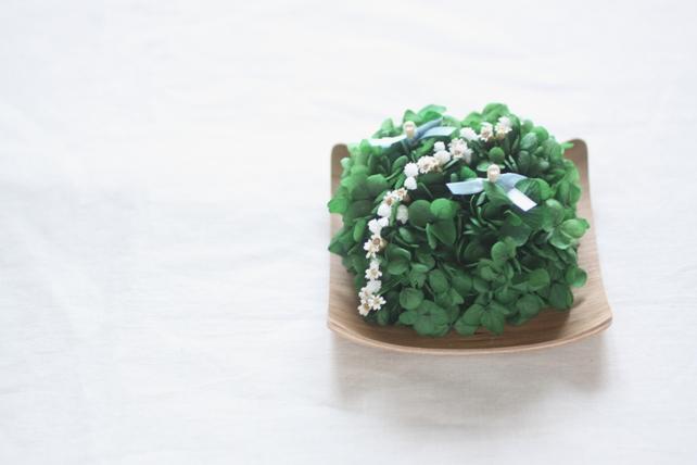 リングピロー(プリザーブドフラワー)紫陽花のリングピロー(木の器)