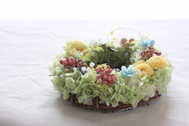 リース(プリザーブドフラワー)ビタミンカラーの紫陽花リース2