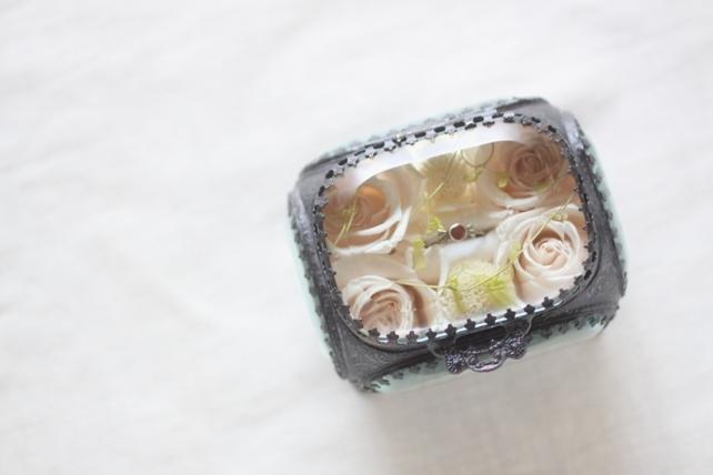 リングピロー(プリザーブドフラワー)婚約指輪用のジュエリーボックス3