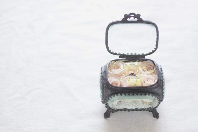 リングピロー(プリザーブドフラワー)婚約指輪用のジュエリーボックス2