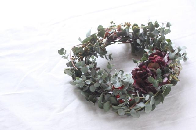 リース(生花)秋色紫陽花とユーカリのナチュラルリース