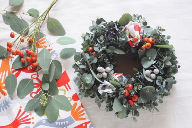 ワークショップ・KLIPPAN布花とユーカリのクリスマスリース