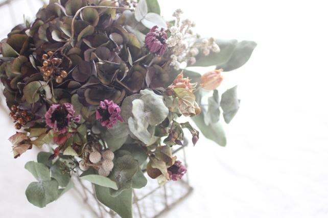 花束(ドライフラワー)紫の入ったシックな花束