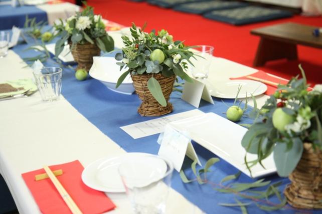装花(生花)ゲストテーブル・ユーカリたっぷり森のような空間