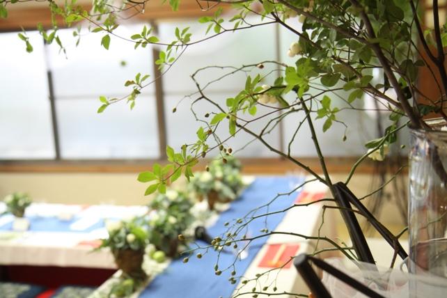 装花(生花)メインテーブル・ユーカリたっぷり森のような空間2