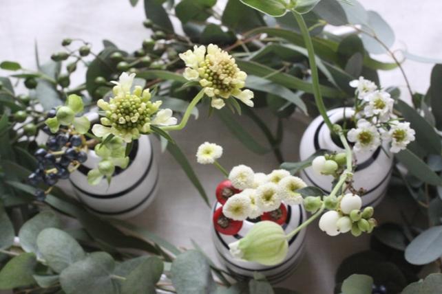 アレンジ(生花)白枝のフレームと一輪挿し2