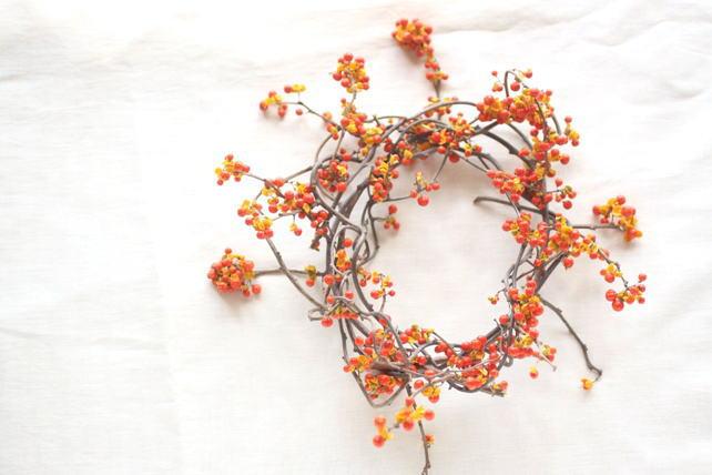 リース(生花)ツルウメモドキのナチュラルリース