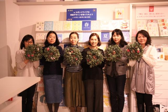 ワークショップ風景・ユーカリと布花のクリスマスリースづくり7